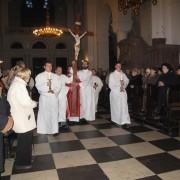 procesja ze Świętym Krzyżem